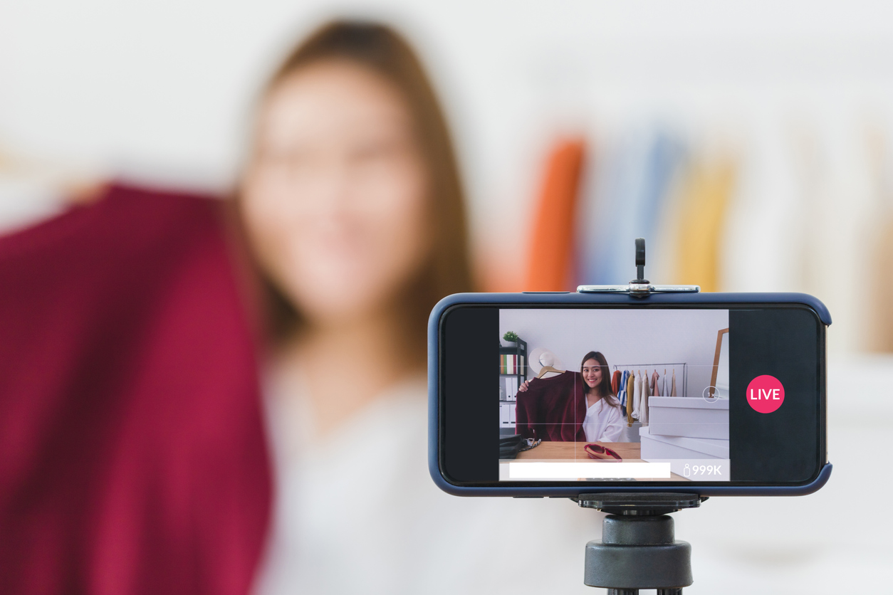 DIY Smartphone Video Production for Marketing at UNH